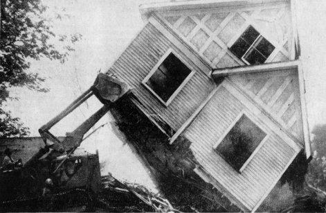 Il_5_house razing__May_11__1962_ (1)